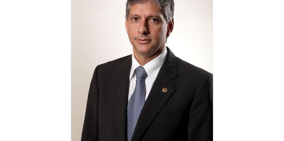 De Ycaza pide reglas del juego claras a alcaldes