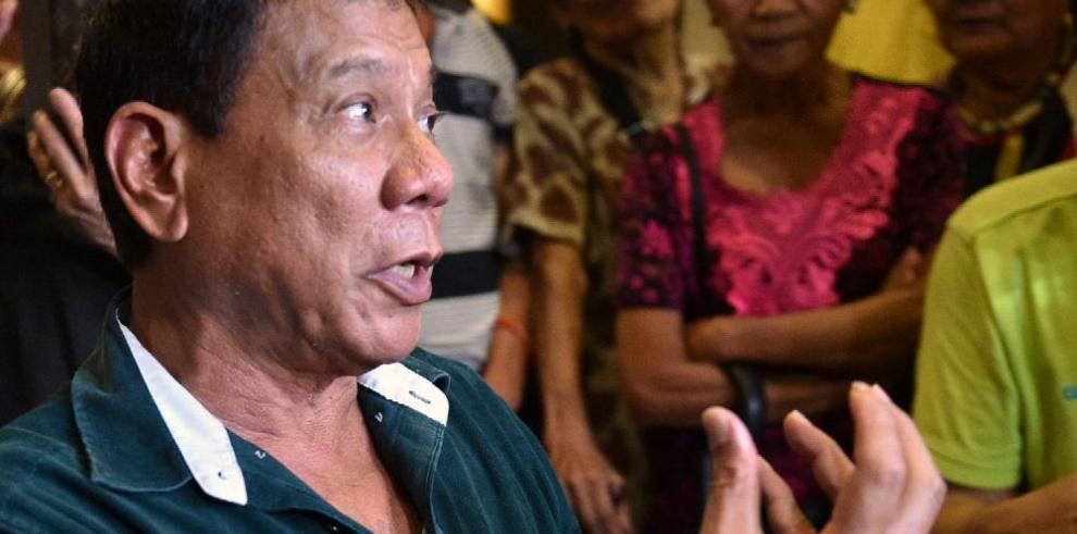 Duterte plantea retraer la pena de muerte