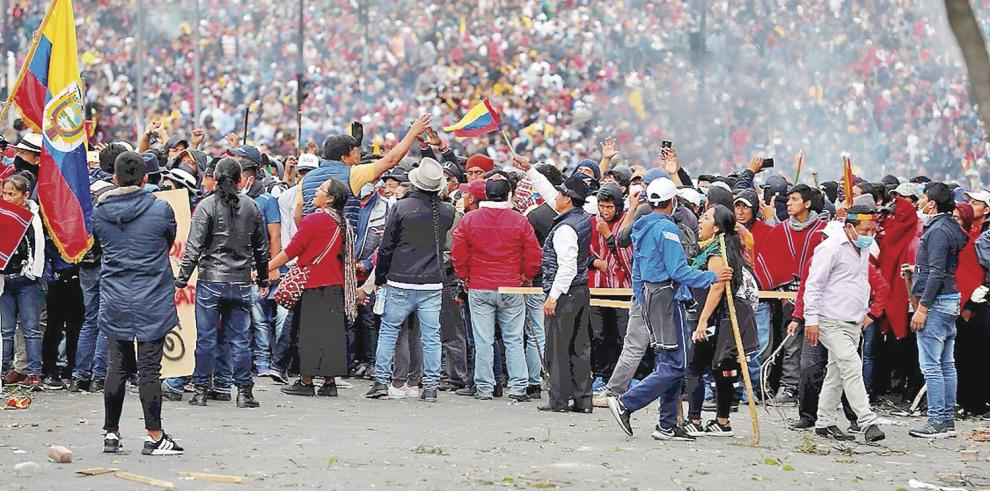 Se_agrava_la_crisis_politica_y_social_en_Ecuador-0