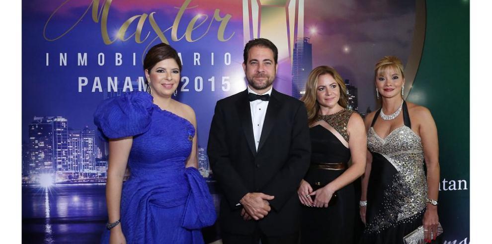 """Entregan premios """"Máster Inmobiliario Panamá 2015"""""""