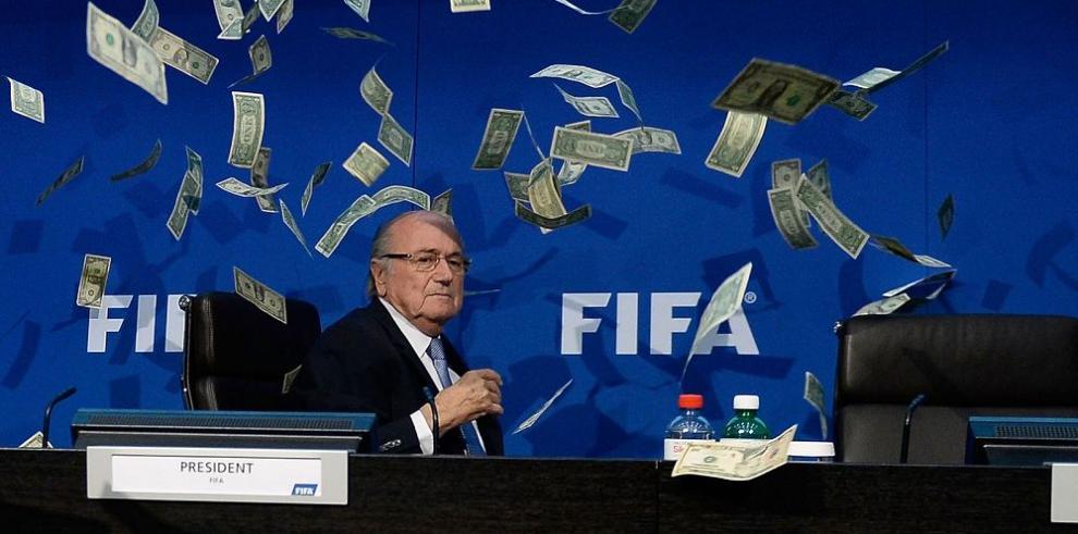 Blatter y Platini en la mira de la justicia