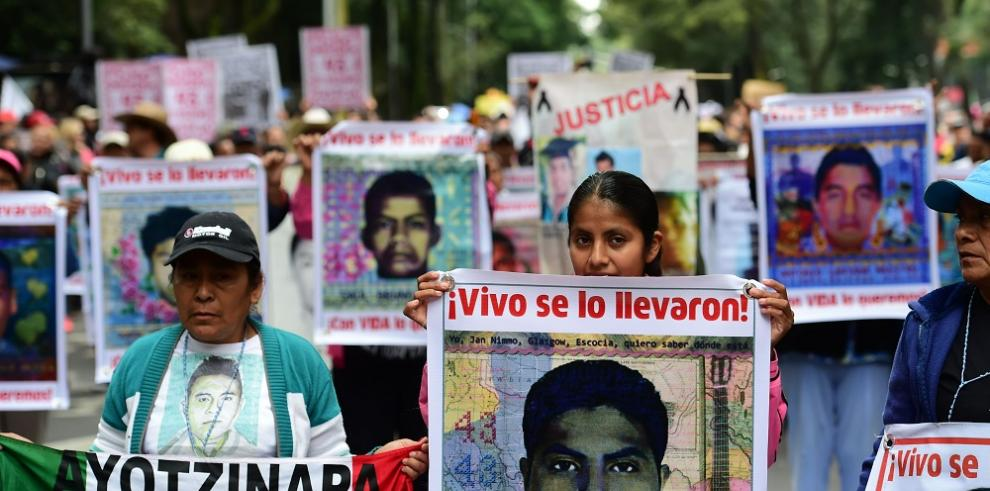 Un año de la desaparición de los estudiantes de Ayotzinapa