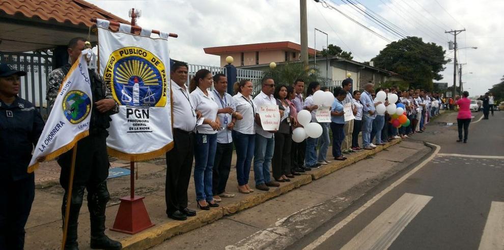 Cadena humana en contra de la trata de personas