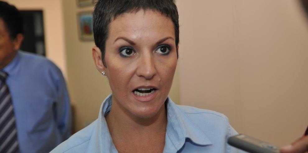 Exviceministra María Fábrega es indagada por la Fiscalía