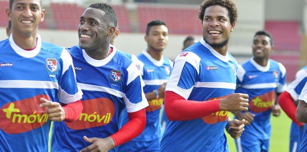 Panamá calienta sus motores ante Trinidad