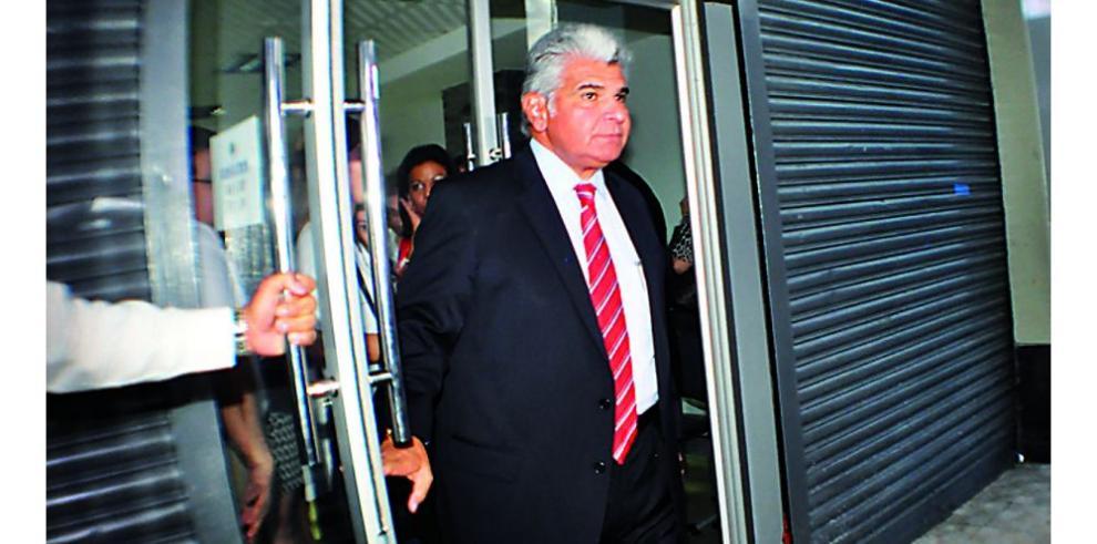 Moscoso se reúne con ministros de Martinelli