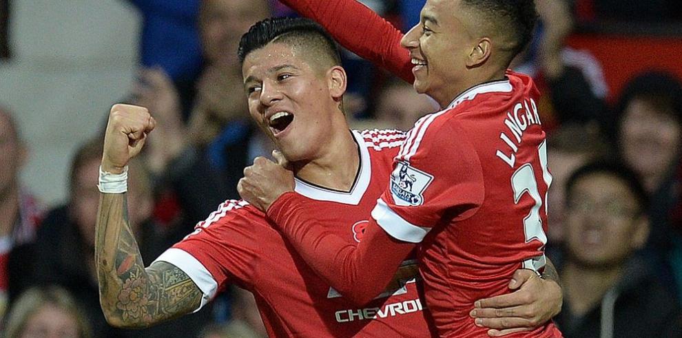 Manchester United triunfa, pero sigue en el cuarto lugar