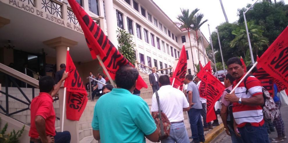 Trabajadores del Suntracs presentan amparo de garantías en la CSJ