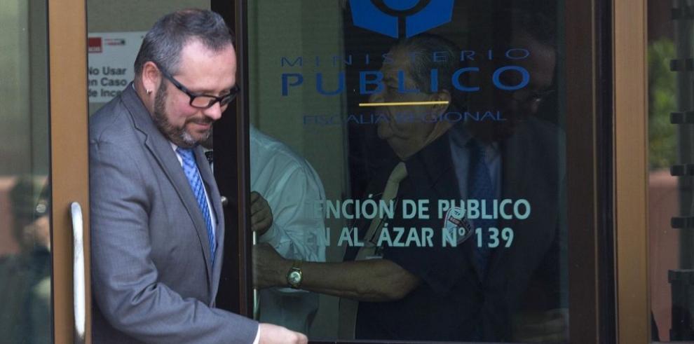 Hijo de Bachelet acude a declarar ante la Fiscalía