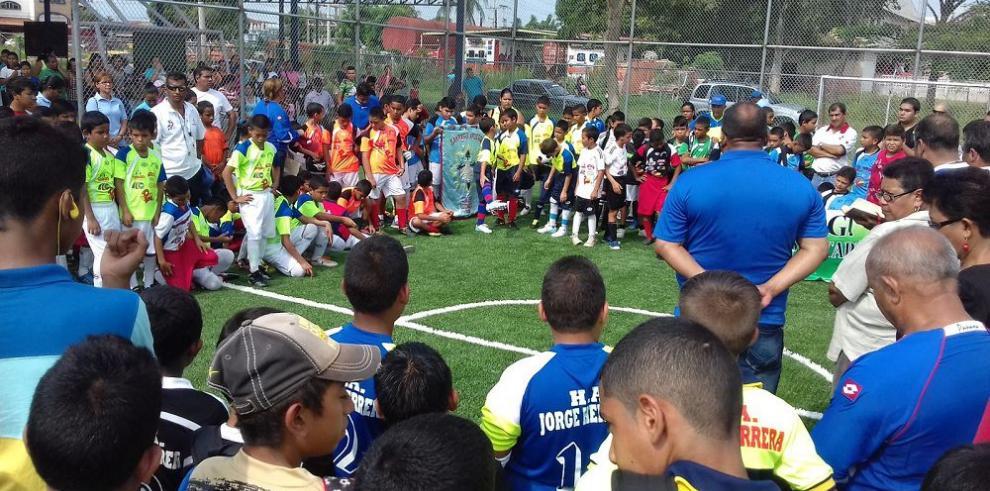 Arrancó torneo de fútbol sala colegial en Aguadulce