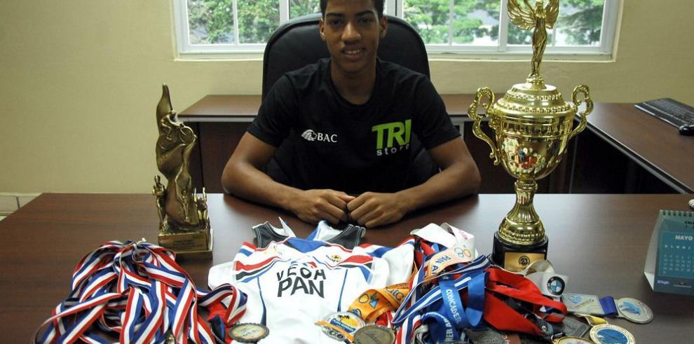 Vega supera sus marcas en el Mundial de Triatlón
