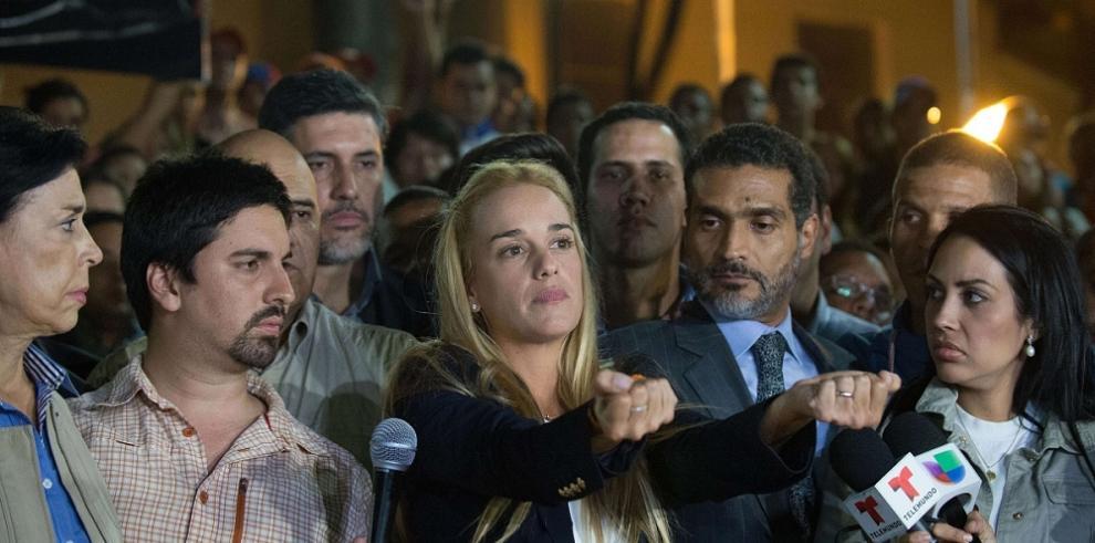 Políticos rechazan sentencia contra Leopoldo López