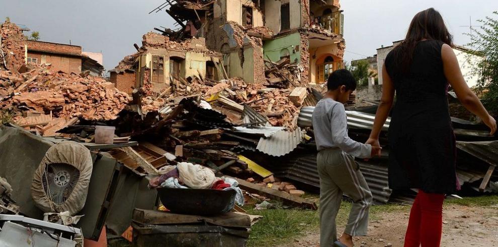 Nepal se organiza para evitar una crisis sanitaria tras el sismo