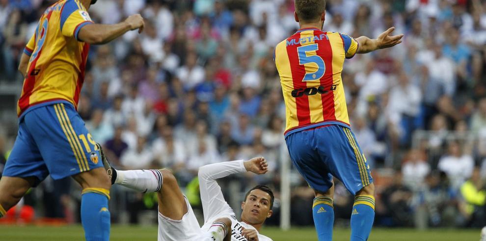 El Valencia aleja al Real Madrid de la Liga