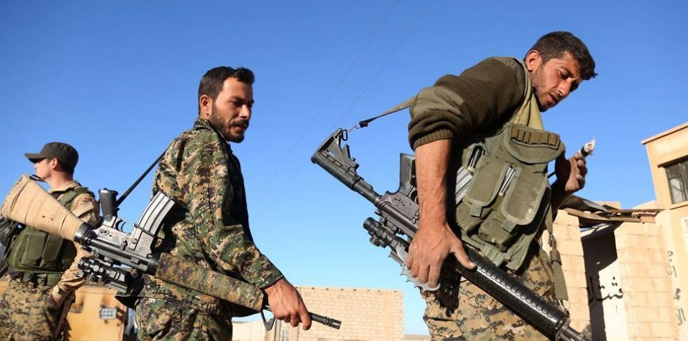 Hallan fosa con cadáveres de mujeres yazidíes