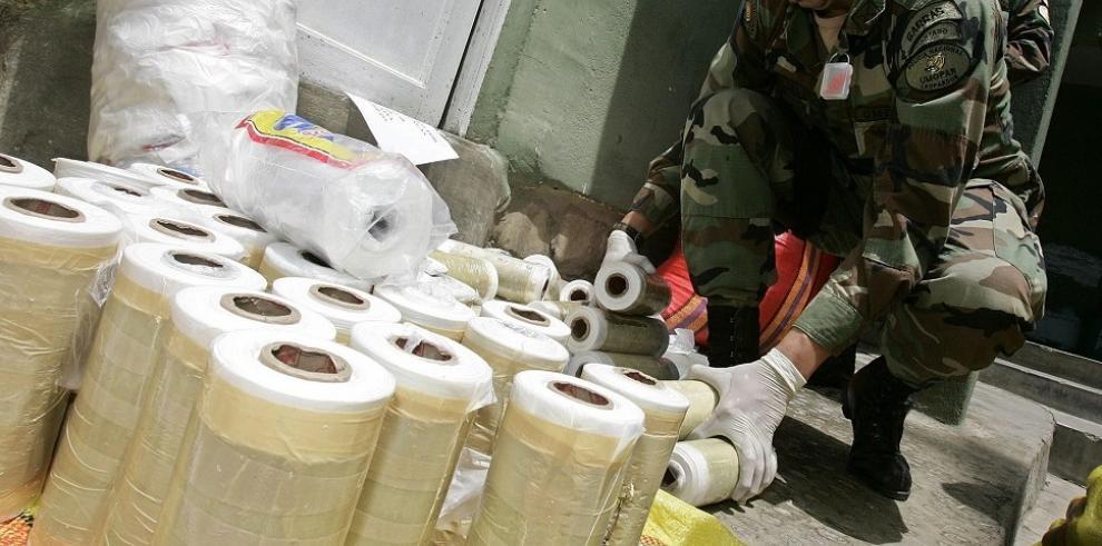 Bolivia decomisó 97 toneladas de drogas y 35 narcoavionetas desde enero