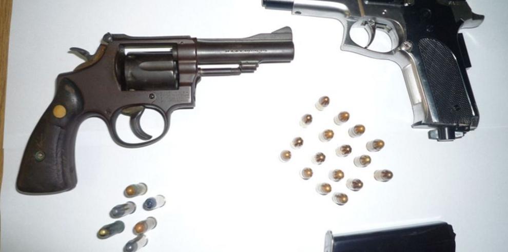 La importación de armas, suspendida un mes más