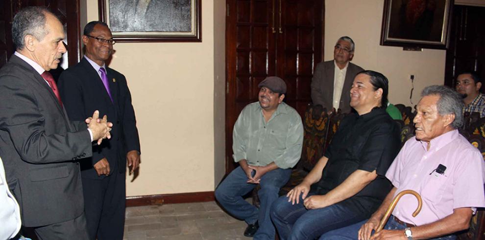 Caricaturistas panameños recuerdan al maestro Eudoro Silvero