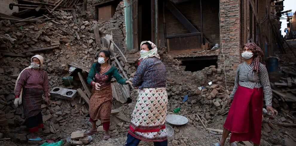 Nepal encara desafíos en salud y educación tras el terremoto