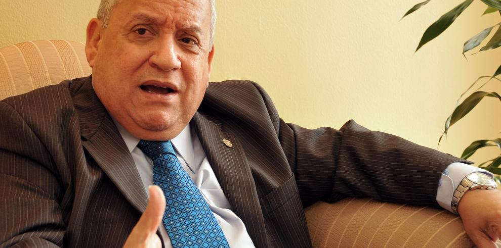 Comisión de Credenciales admite denuncia contra Víctor Benavides