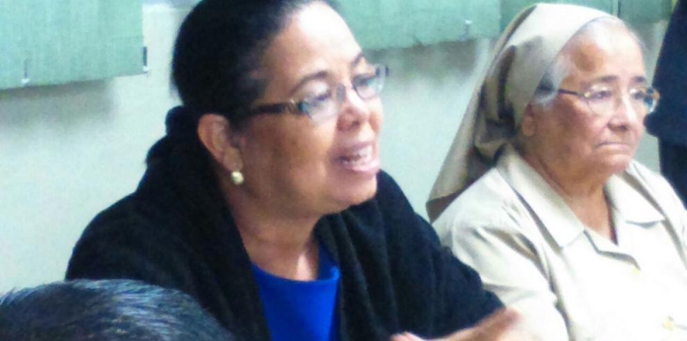 Piden destitución de Idalia Martínez