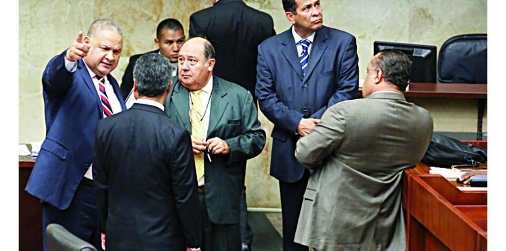 Choque entre bandos agudiza más la crisis interna en el PRD