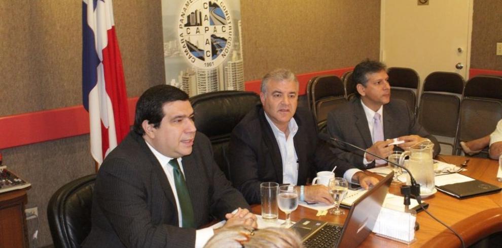 ACODECO presenta su visión estratégica ante miembros de la CAPAC