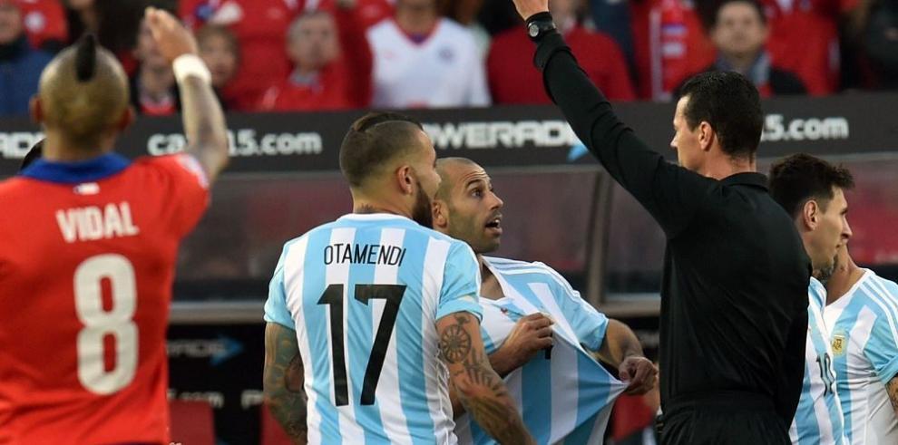 Los anfitriones beben por vez primera en la Copa América