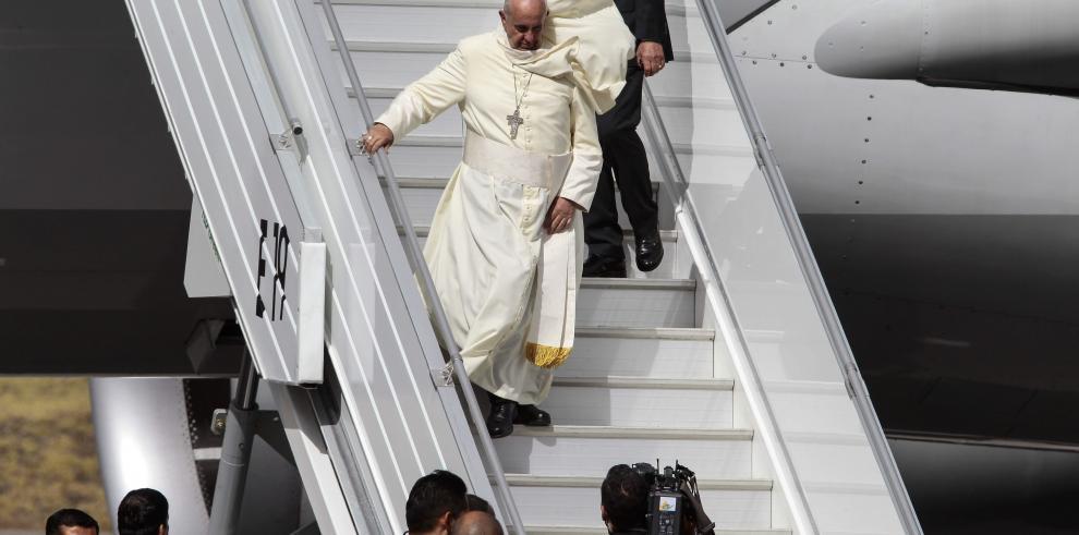 El papa Francisco llega a Ecuador
