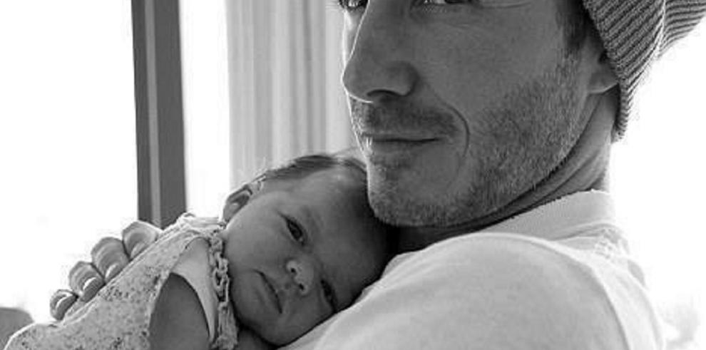 David Beckham cae rendido ante los encantos de su