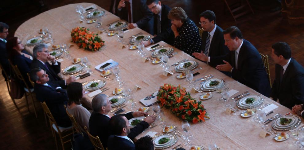 Varela se reúne con empresarios y escucha sus inquietudes