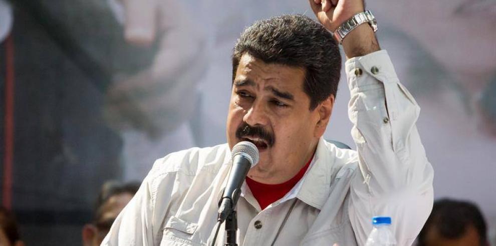 Maduro dice que asesinato de opositor apunta a un