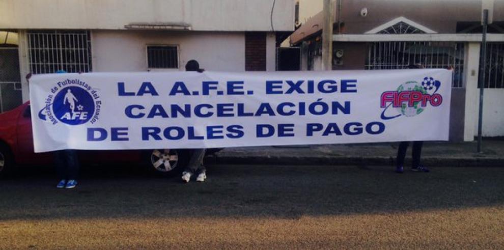 Asociación de futbolistas de Ecuador convoca a huelga