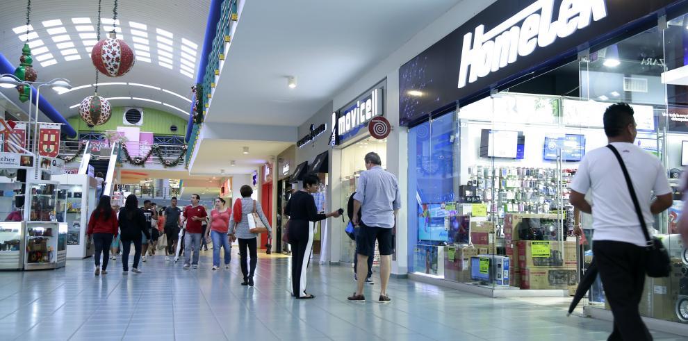 Más de 12 mil unidades de la PN vigilarán los centros comerciales