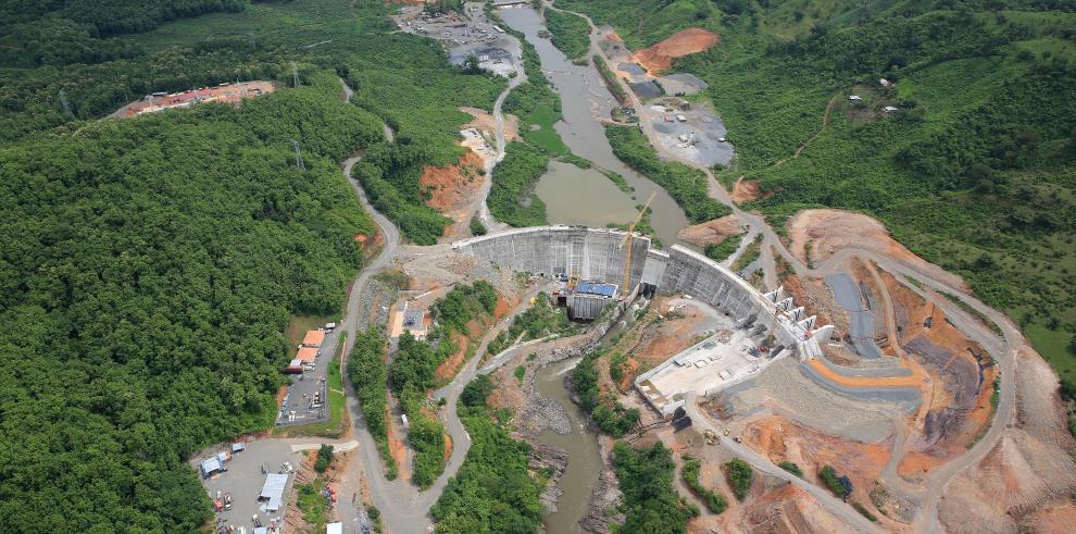 Gobierno reitera decisión de culminar obras en Barro Blanco