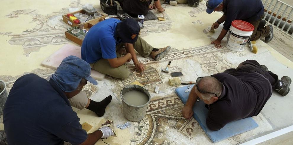Hallan en Israel mosaico de hace 1,500 años con imágenes de Egipto