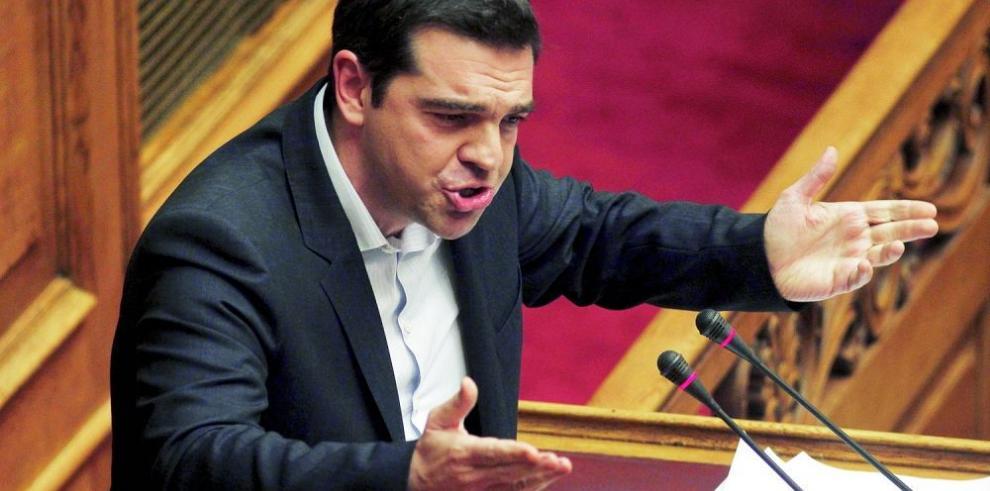 Parlamento griego analiza la causa de los rescates