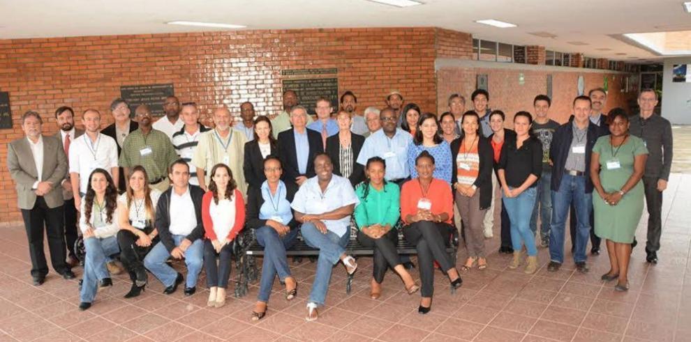 IICA capacita a técnicos en biotecnología de el Caribe y Centroamérica