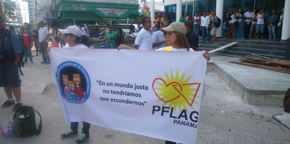 """Realizan marcha del """"Orgullo Gay"""""""