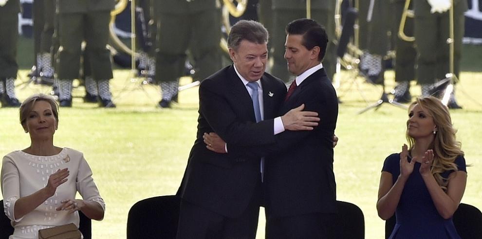 Santos refuerza ofensiva contra ELN