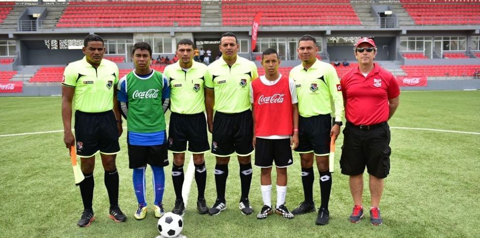Se inicia torneo de fútbol juvenil