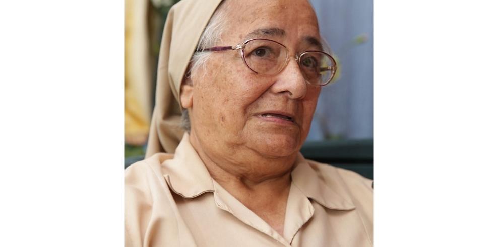 Recolectan firmas en solidaridad al trabajo de Sor Lourdes
