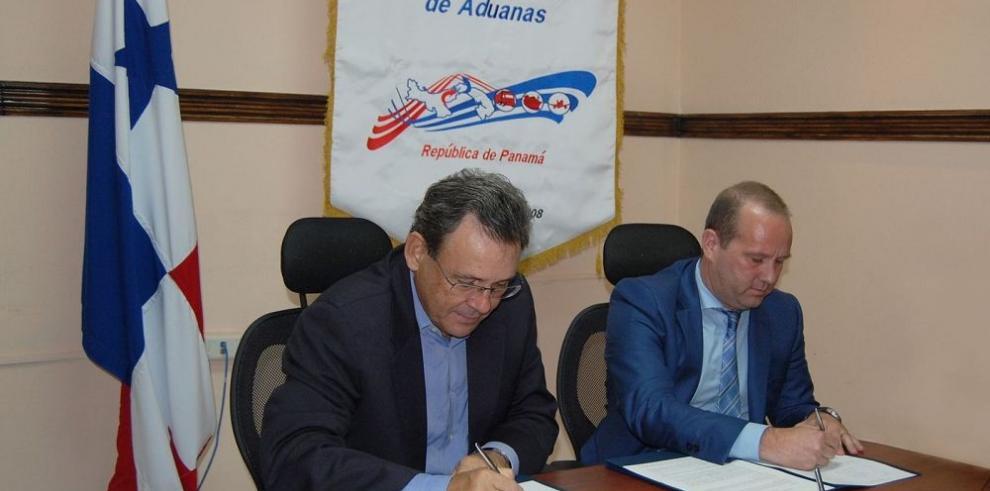 Firman convenio contra delitos en puertos