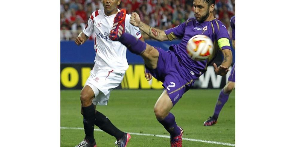 Sevilla le pasó por encima a la Fiorentina
