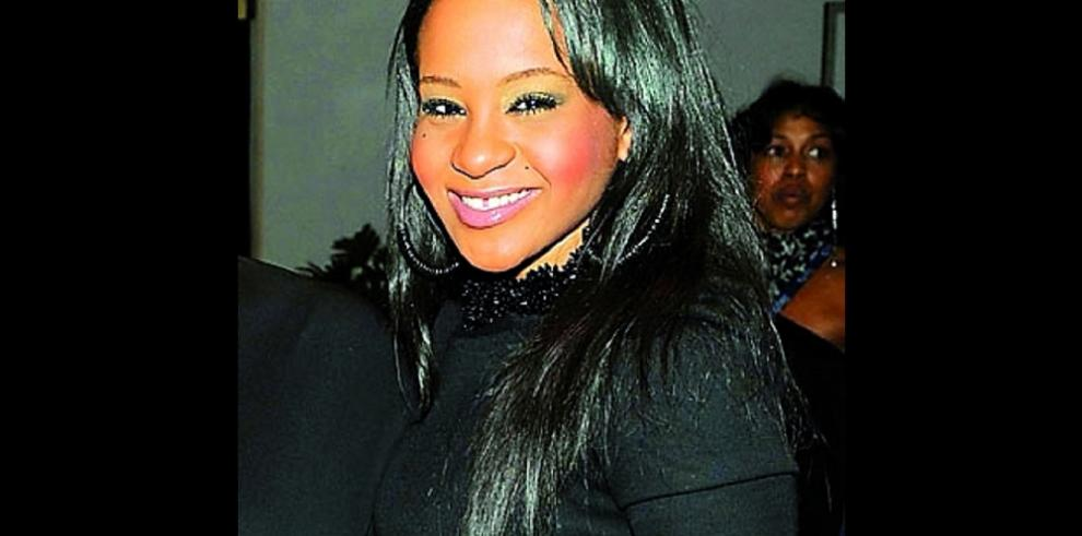 Hija de Whitney Houston trasladada a centro de enfermos terminales