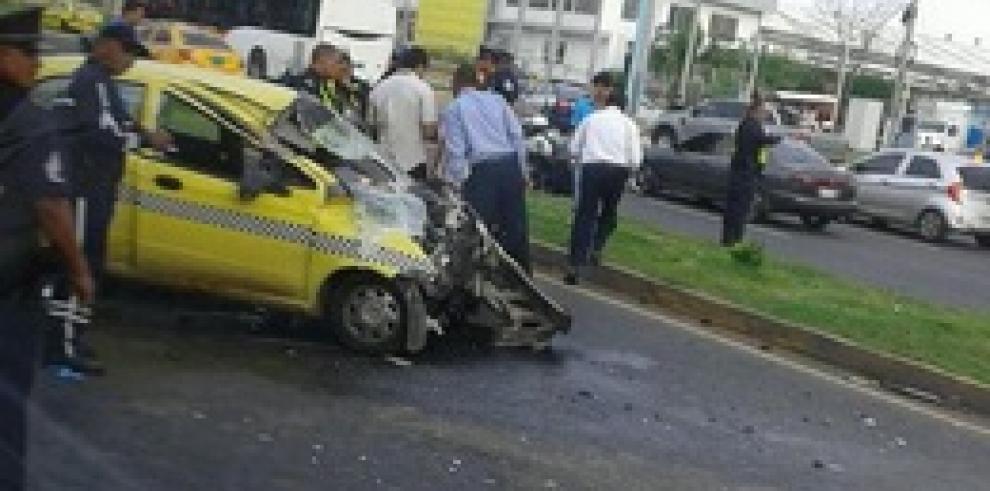 Un muerto deja accidente en vía Tocumen