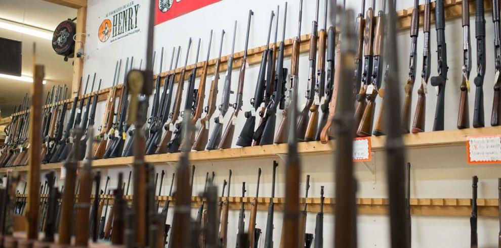 Tiroteo de Oregón reabre el debate sobre uso armas