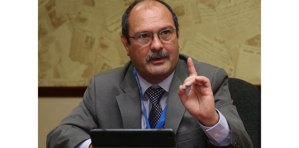 Girón pide apoyo en Comisión de Salud