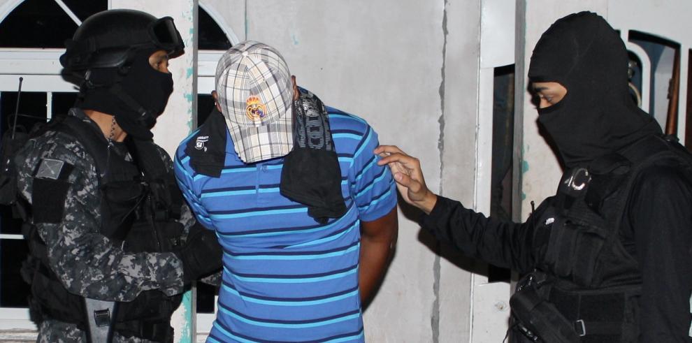 Banda de estafadores ofrecía supuestas becas en el extranjero