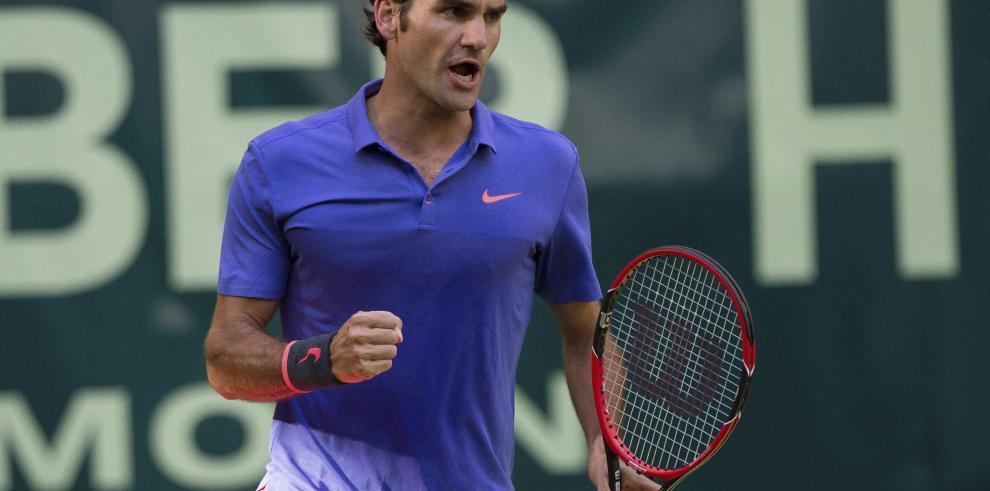 El suizo Roger Federer jugará al menos dos temporadas más